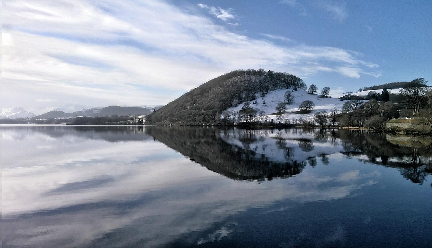 IMAGE: https://fantasticphotosprague.com/wp-content/uploads/2019/12/lake-4-adjussmallt.jpg